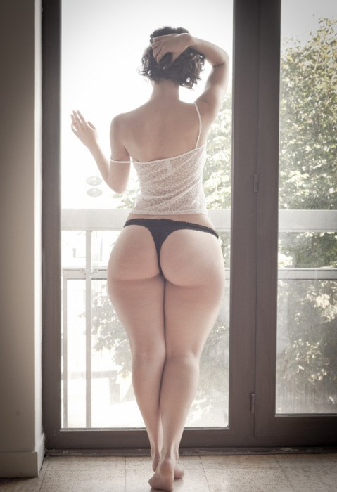 looking outside - PornZar; Ass BBW MILF