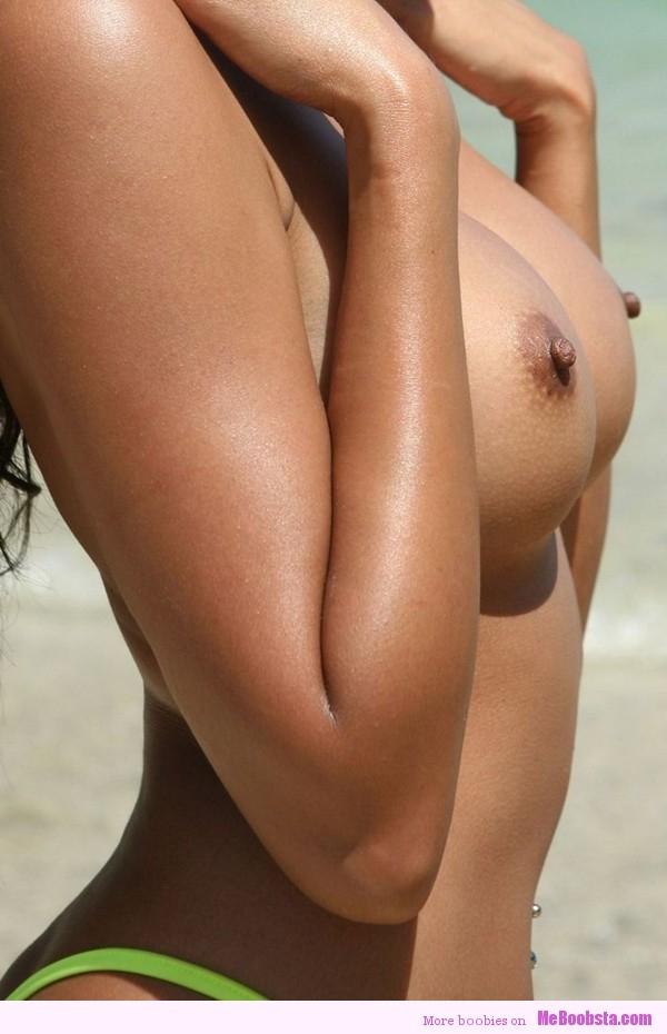 Sideboob big tits beach