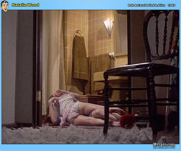 Natalie Wood love scene; Celebrity