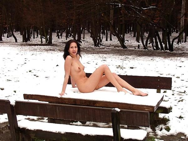 Naked on Public - Teen Girls Flashing; Amateur Public
