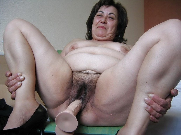 Women masturbating mature hairy