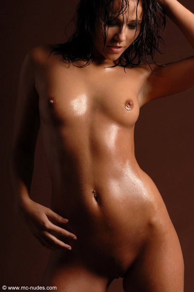 A lot of oil leaking on such a marvelous body!; Babe