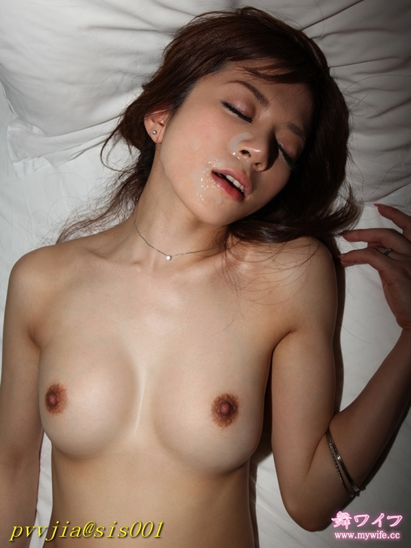 tits cum Asian in