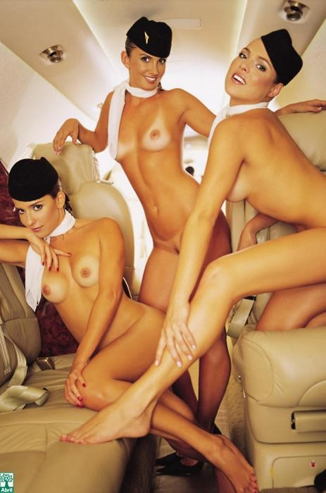 Nos vamos en avión??? Sex RSS Feeds ... - El lado B - B Side; Babe Brunette Threesome Hot