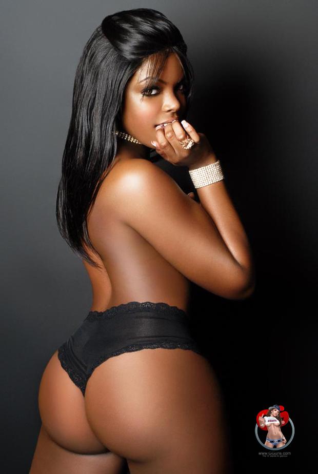 Non nude ebony street booty
